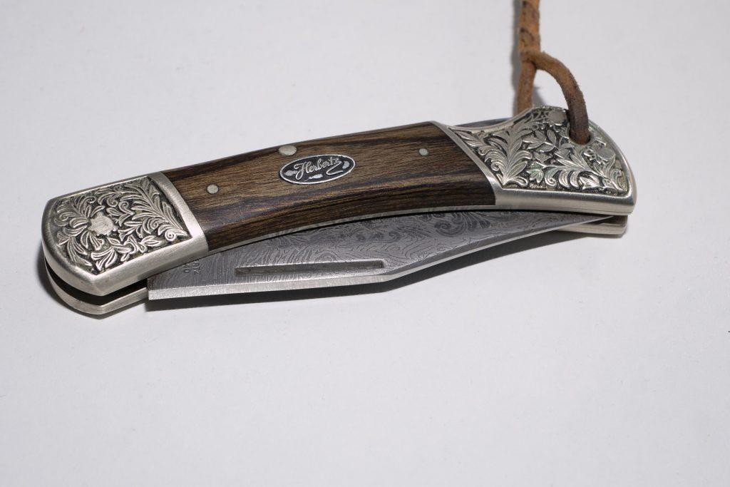 Ein Damast Taschenmesser auf mond-blog.de